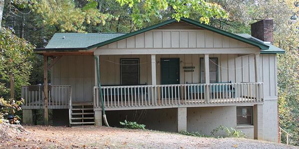 Lincoln Avenue Cabin